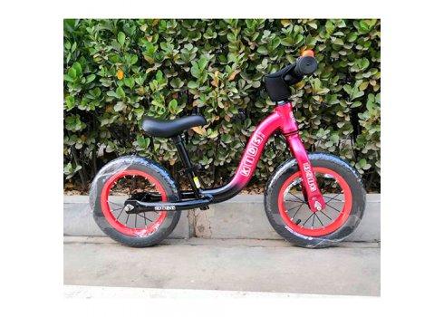 Беговел (велобег) на надувных колесах 12 дюймов W1203A-1 красно-черный