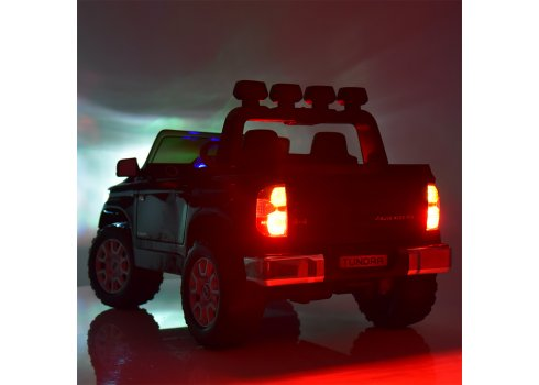 Детский двухместный электромобиль Toyota Tundra с кожаным сиденьем JJ2266AEBLR-1 белый