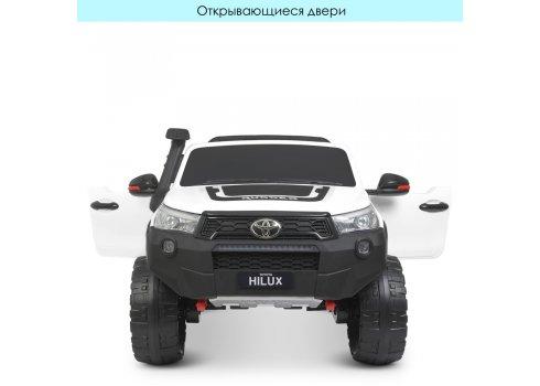 Детский двухместный электромобиль Джип 4WD лицензия TOYOTA M 4552(MP4)EBLR-1 с планшетом белый